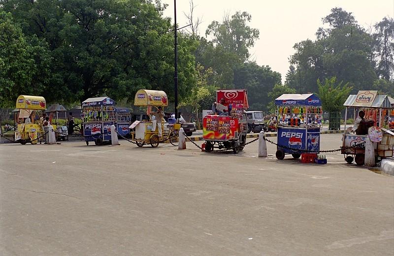 2005-india-rol02-0003