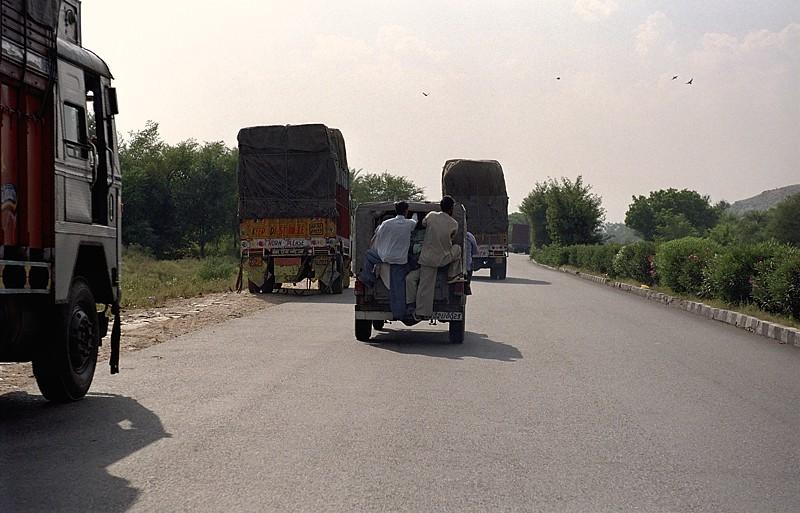 2005-india-rol04-0021