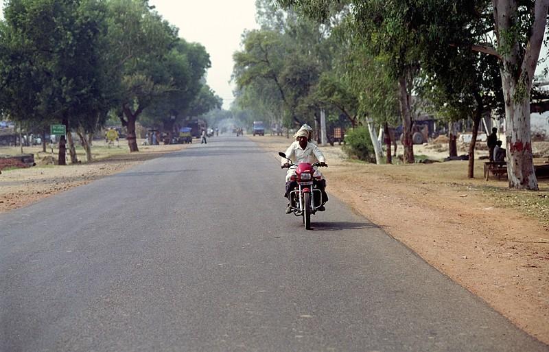 2005-india-rol08-0008