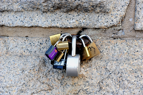 The locks on the Brooklyn bridge