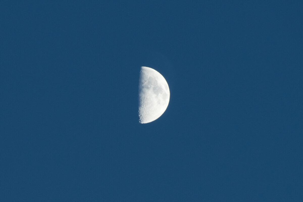 October 9th, 2016 – Beautiful half moon